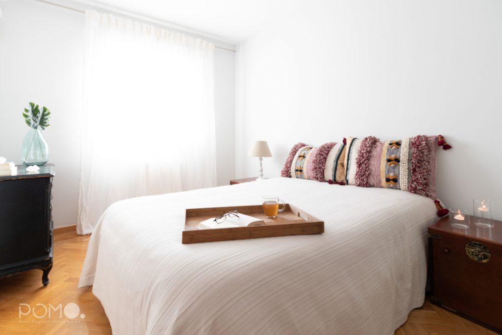 POMO. Home Staging en dormitorio principal en Príncipe Pío, Madrid.