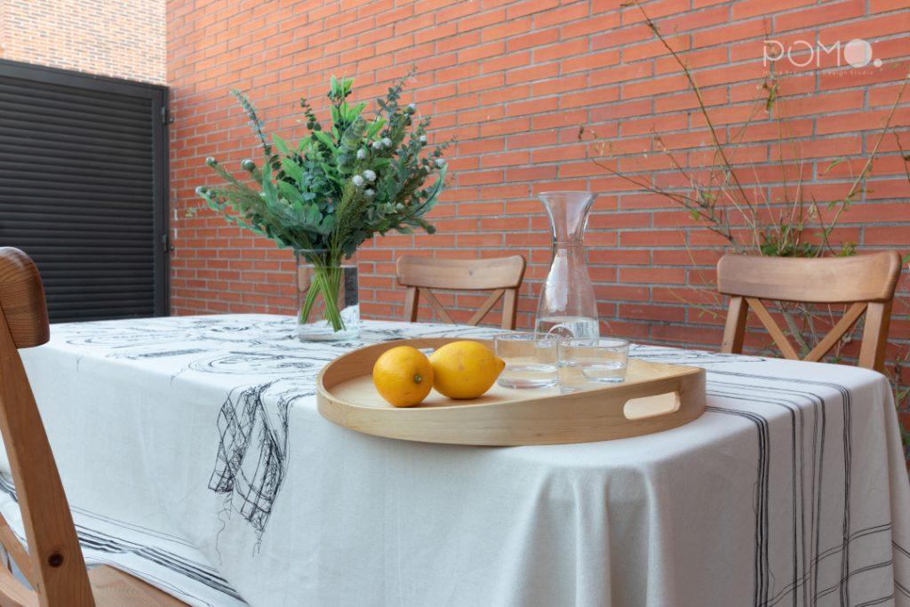 POMO. Home Staging en vivienda adosada en Loranca, Madrid. Zona de acceso