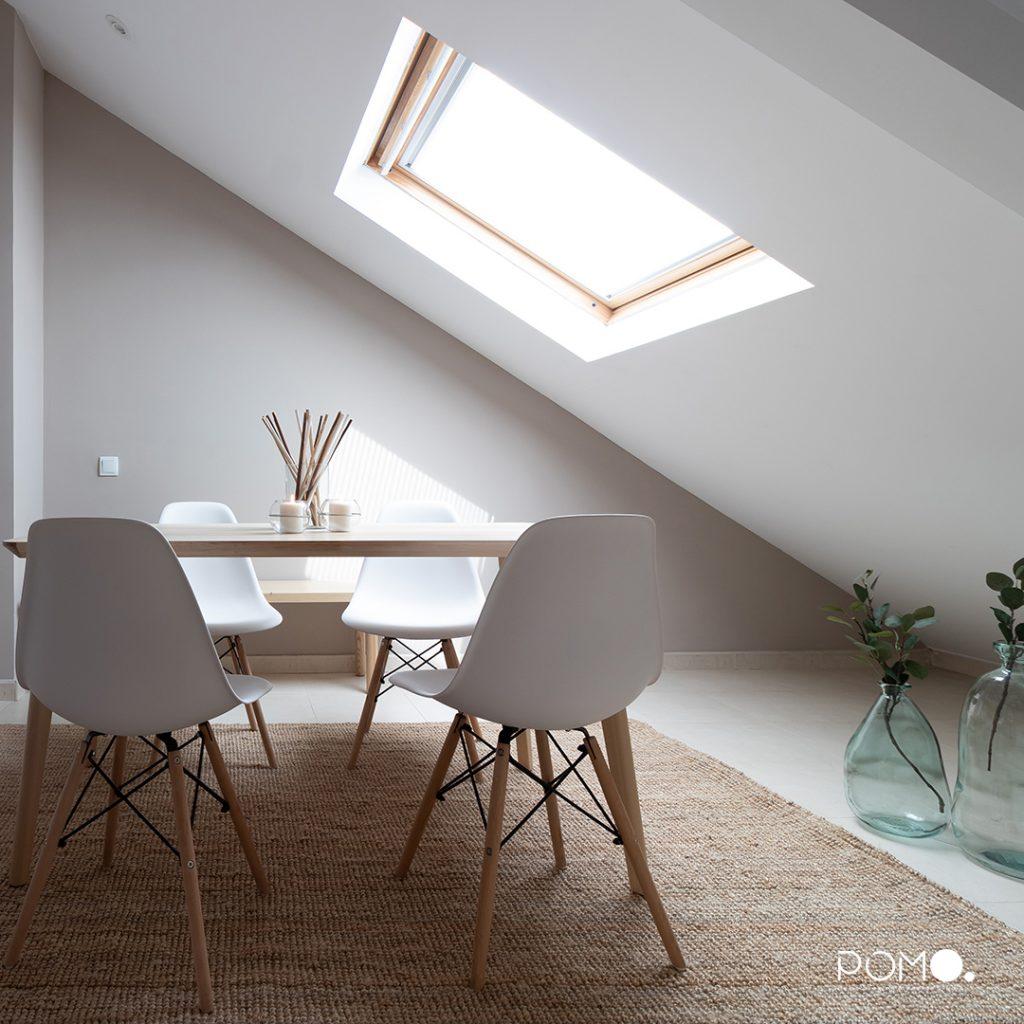 POMO. Home Staging en vivienda vacía en Móstoles, Madrid. Comedor abuhardillado 02