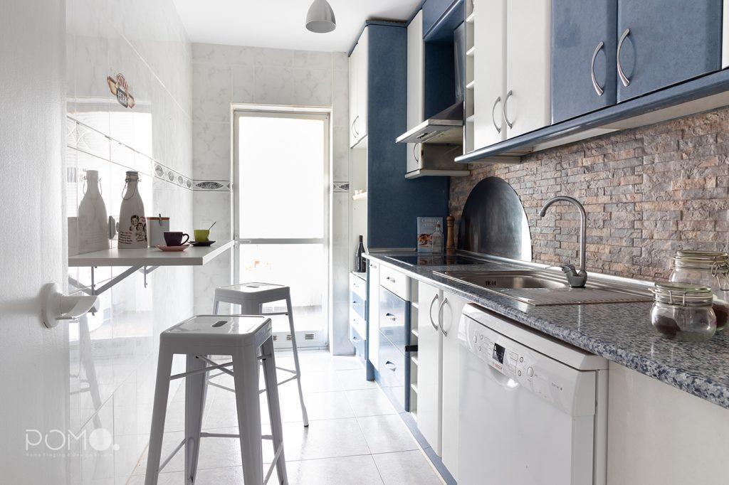 Home Staging en vivienda amueblada en Móstoles, Madrid. Relooking, puesta en escena y fotografía inmobiliaria. Cocina.