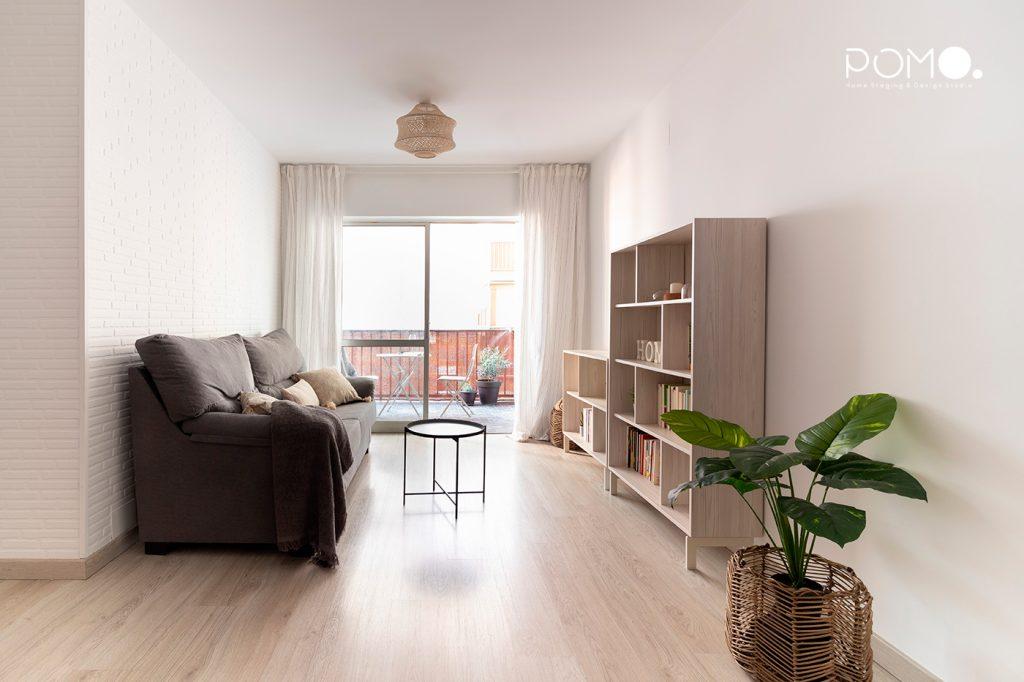 Home Staging en vivienda amueblada en Móstoles, Madrid. Relooking, puesta en escena y fotografía inmobiliaria. Salón.